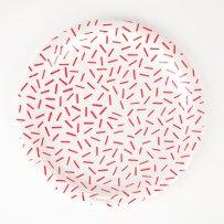 decoration-de-table-anniversaire-enfant-assiettes-en-carton-vermicelle-rouge